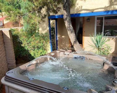 "The ""Adobe Sage"" a Knob Hill Vacation Home W/ HOT TUB - Nob Hill"