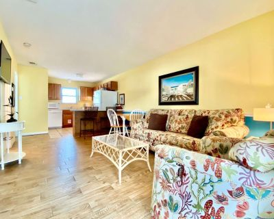 Sunrise Village 202 - Just steps to the beach in this cute condo! Great rates!!!! Book today! - Gulf Shores