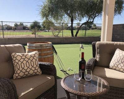 Gorgeous 4 Bedroom Desert Home With Heated Pool/Spa Access at Johnson Ranch - San Tan Valley