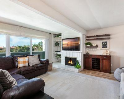 Spacious Home w/ Fenced Patio, Grill & Balcony - 1 Mile to Beach & Pier Ave - Hermosa Beach