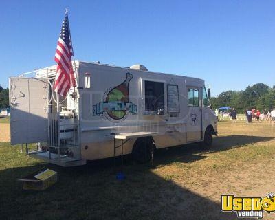 Diesel Oshkosh Step Van Food Truck / Used Mobile Kitchen for General Use