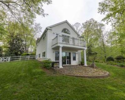 3163 Woodland Ln #1, Mount Vernon, VA 22309 3 Bedroom Apartment