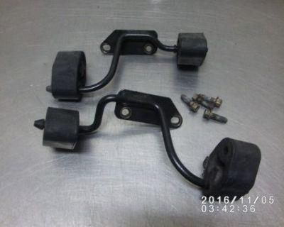 99-04 Ford Mustang Gt 4.6 Factory Rear Muffler Exhaust Hangers 00 01 02 03 2003