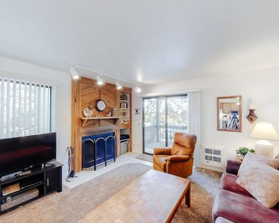 Cozy condo w/ fireplace, clubhouse access, free Wifi & shared pool/hot tub! - Park City