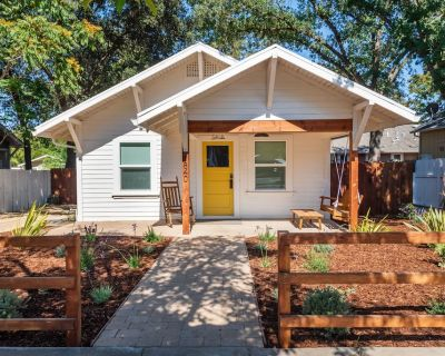 Newly renovated, Luxury appointed, downtown historic bungalow. - Paso Robles