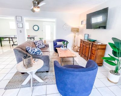 3BR Pool Hot Tub St Pete Close to Highway & Beach! - Maximo