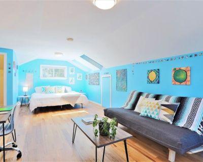 Loftium | Convenient Serenity Suite in Berkeley Bungalow! - Regis