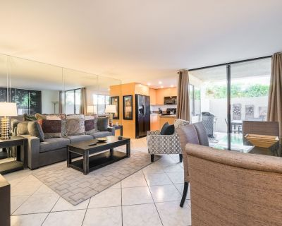 Quiet Condo with All-New Furnishings, Pool, Hot Tub, Private Patio & Balcony - Palm Springs