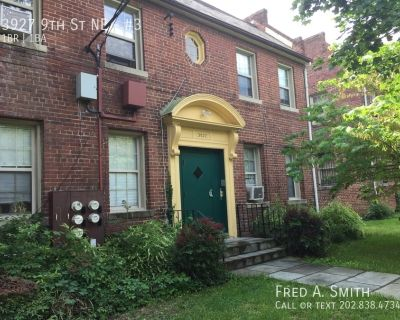 One Bedroom Apartment Plus Den in Brookland Available Now!