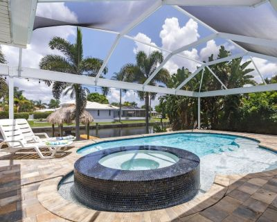 Half mile to the beach! Heated Pool & Spa, with Tiki on boat dock! - Villa Changes in Attitude - Yacht Club