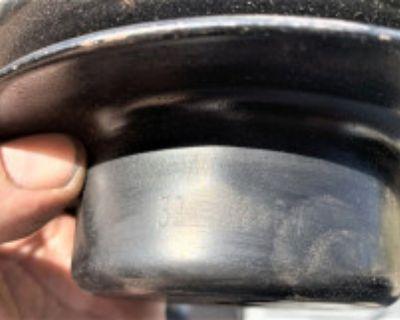1969 deep gr. water pump pulley # 3947824 BV gm original