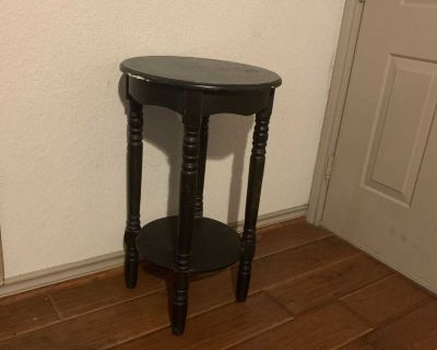 End Table / Night Stand / Side Table