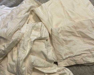 Duvet and 2 pillow cases