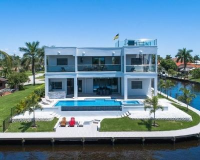 Holiday house Cape Coral for 1 - 8 persons with 4 bedrooms - Holiday home - Yacht Club