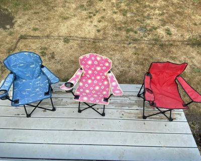 Kids Coleman camp chairs