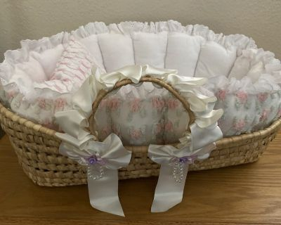 Handmade Moses Basket for dolls or pets