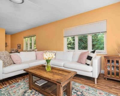 Quiet home with large yard, close to Navy Bridge. - Annapolis
