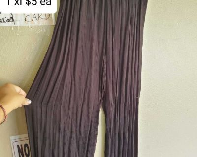 New black flare pants large xl $5