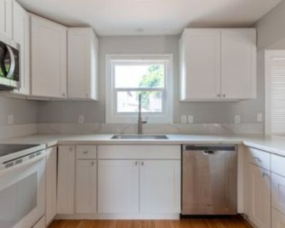 5235 Se Henderson St #1, Portland, OR 97206 2 Bedroom Apartment