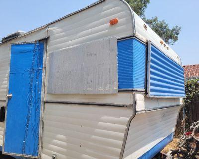 1971 26ft Spartan Cavalier travel trailer