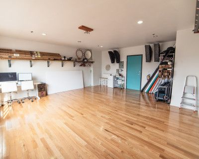 Upscale & Fully Equipped Photo Studio in Historic Building, Berkeley, CA