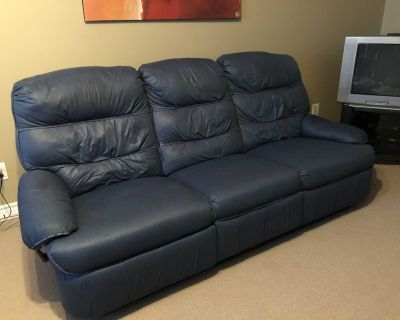 Good quality couch - to give away!