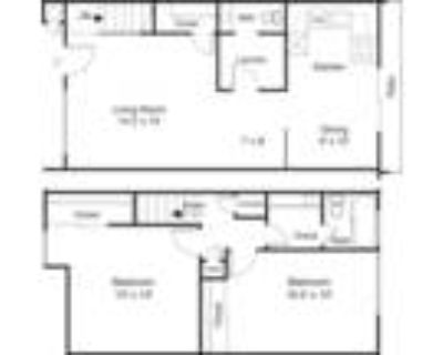 Town House Plaza - 2 Bed 1.5 Bath Town Home
