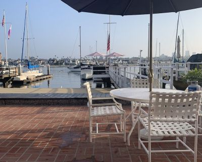 Balboa Bayfront Home with Private Beach, Dock, Steps to the Ocean and town - Balboa Peninsula