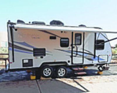TRAVEL TRAILER WINN 2014, 21 ft travel trailer ultra light, 1 slide, double axel,...