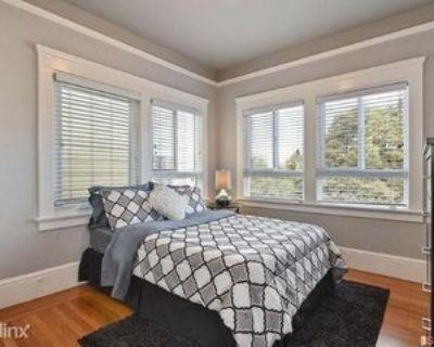 647 W Johns Ave, Hermiston, OR 97838 3 Bedroom Apartment