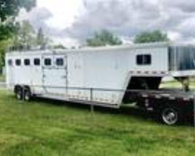 1998 Featherlite 6 horse Stock
