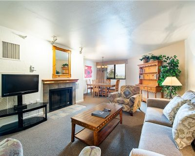 Walk to Slopes, Shuttle to Main Street Private 1-Bed Condo at Silver King - Downtown Park City