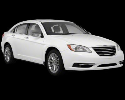 Pre-Owned 2013 Chrysler 200 TOURING FWD 4dr Car