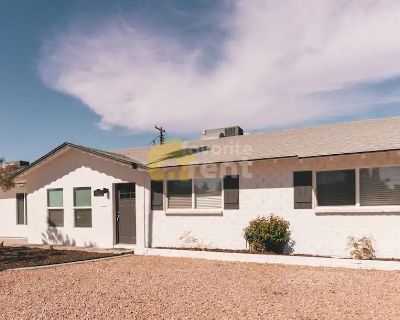 Scottsdale 3 bedroom house with heated pool