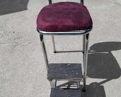 Vintage stool with steps