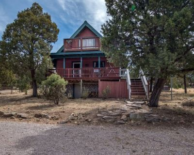 Serene Pet Friendly A-frame Cabin With Double-decker Mountain View - Ruidoso