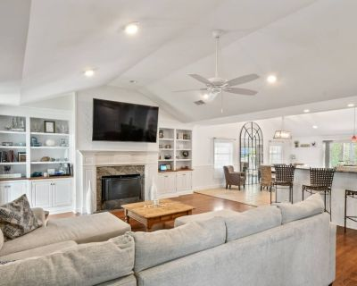 New Listing! Beautiful Updated Coastal Home Steps From Beach, Pool, Outdoor Game Room, Fire Pit - North Forest Beach