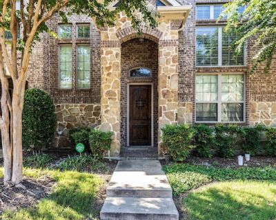 Beautiful 3 BR Townhome - Frisco