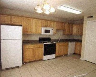 1902 Safe Harbor Cir #1902-1, Louisville, KY 40216 2 Bedroom Apartment