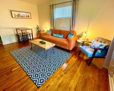 Stylish Cottage - Free Parking - Self Check-in 220 - Northside