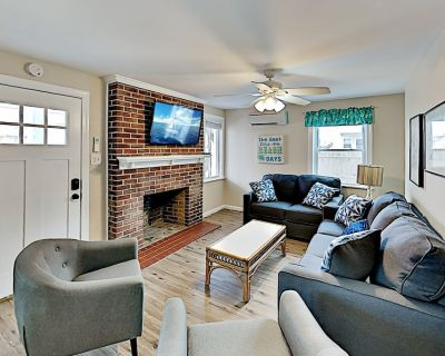 Downtown Retreat | Private Covered Porch | Walk to Beach & Fishing Pier - Ocean City