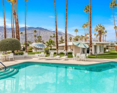 Quiet Mid-Century Modern Retreat, Central Palm Springs, Sparkling Pool, Mountain Views & 2 King Beds - Palm Springs