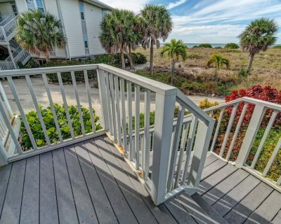 Relax in the Villa with a great view of the Gulf B3212A - Charlotte County