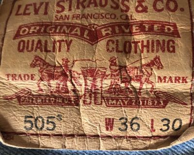 Men s 36/30 Red Tag Levi s 505 jeans