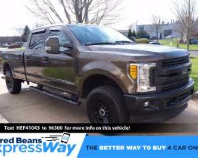 2017 Ford Super Duty F-250 XLT Crew Cab 8' Bed 4WD