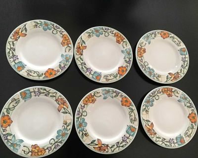 Set of 6 dessert plates, Gibson. Microwave & dishwasher safe. Great condition