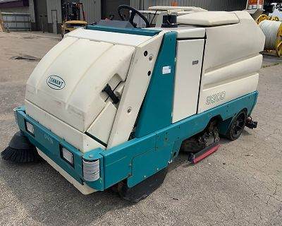 2008 TENNANT 8300 Sweeper Trucks Truck