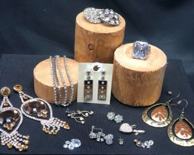 Collector s Delight & More Online Auction (Part 6) by Caring Transitions - Ends 6/27!