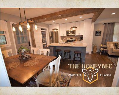 The Honeybee House North Atlanta Marietta Business or Family Travel Sleeps 1-6 - Marietta