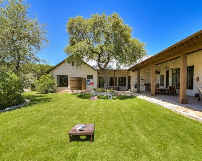ABOVE LUXURY RANCH | UP TO 11 BEDS | Amazing Views | Pool/Spa | Secluded - Austin